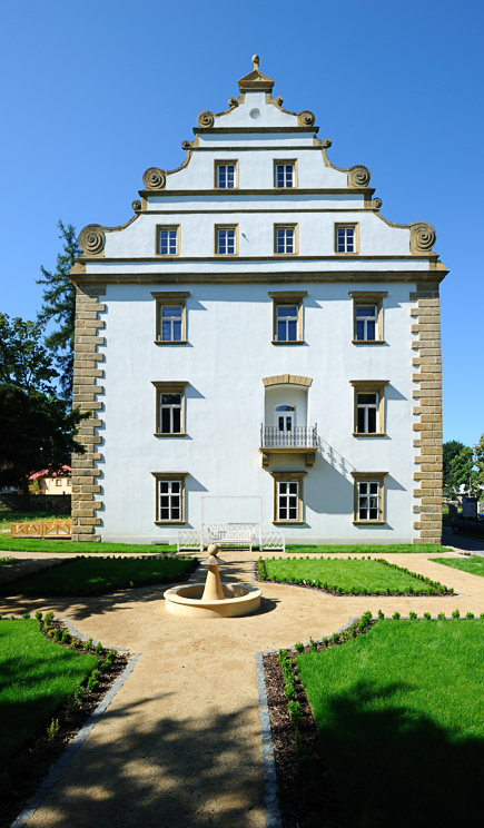 Fotografie zámku Šluknov od J. Laštůvky