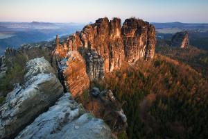 Fotografie krásné Schrammsteiny v Saském Švýcarsku od M. Raka